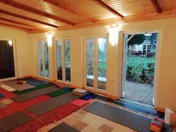Yogaplattform 9.30  - 11.00 Uhr