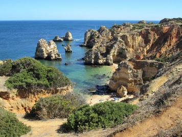 Zerklüftete Küste der Algarve