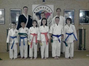Erfolgreiche Farbgurtprüfung - TOWASAN Karate Schule München