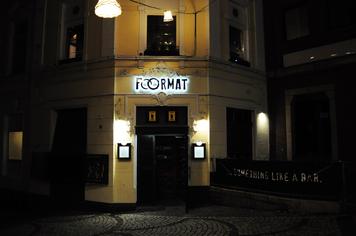 Der Eingang vom Foormat auf der Waldhausener Straße. Ob Bar, Kneipe oder was auch immer: Du gibst dem Foormat das richtige Format. Du siehst uns bereits vom Alter Markt aus