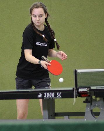 Cindy Meier von der 2. Jugend fügte dem besten Spieler der 1. Kreisklasse die erste Saisonniederlage zu.