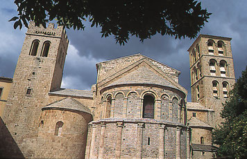visite dans l'Aude abbaye de caunes Minervois