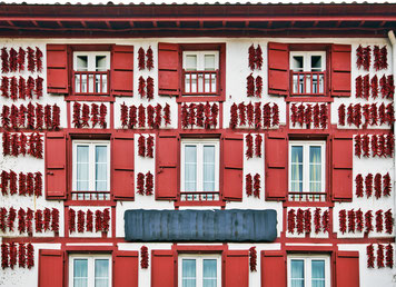 homners; immobilier pays basque