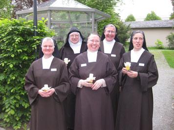 Sr. Anna, Karmel Auderath, Sr. Mirjam, Karmel Köln, Sr. Virginia, Karmel Kirchzarten, Sr. Johanna, Karmel Dachau, Sr. Teresa Benedicta, Karmel Hannover