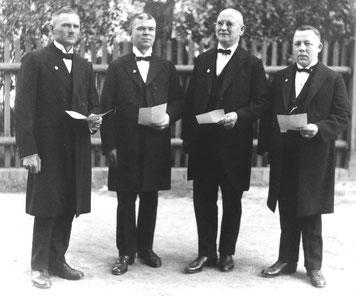 """""""MGV Sächsische Glasfabrik"""" 1927, das Quartett, bestehend aus Arthur Müller, Oskar Bitter, August Kuschke und Rudolf Krause (v.l.)"""