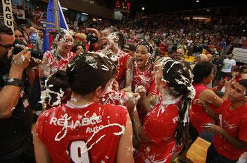 Caguas celebrando su décimo campeonato / Foto por Heriberto Rosario Rosa