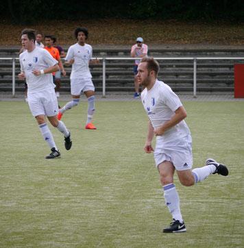 Robin Heuft (re) - Torschütze zum 2:0 und Abwehrstratege