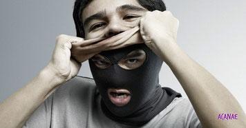 Cómo denunciar perfiles falsos en redes sociales - ACANAE