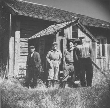 Maskinamossa 16.5.1954 kuvassa vasemmalta oikealle: Rautsi, Gråhn, Lainto ja Piikkiö