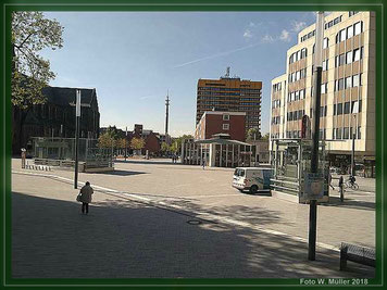 Der Heinrich-König-Platz  -  Foto  W. Müller  2018