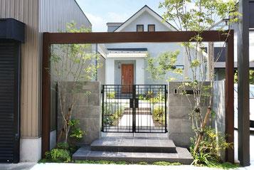 三井ホームの緑が素敵なシンプル外構デザイン