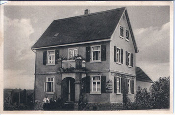 Haus Becker, dirket an dem Bahnübergang Deuil-La-Barre-Straße