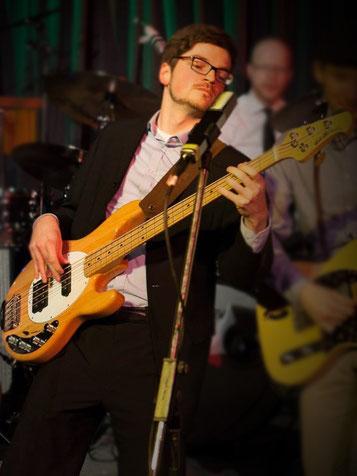 Holger Becker, Bass