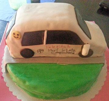 Lea hat uns zu ihrer bestandenen Prüfung eine Hammer-Torte gebacken. DANKE LEA!!!