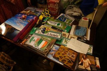 ライブ会場の特設ミニマーケット。商品の大半は私がアイルランドで仕入れてきました。