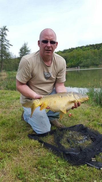 Mark Hofmeister am 11.05.2015 / Zuchtteich 3 / Karpfen, 70 cm, 6,2 kg