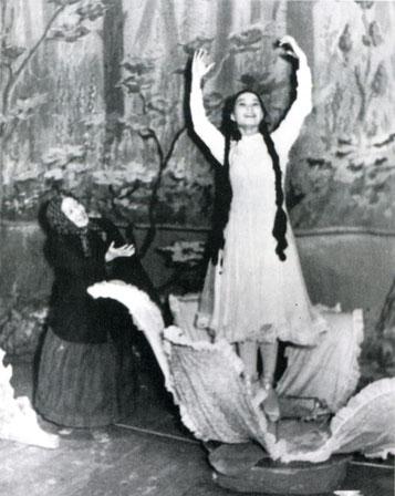 Евдокия Степанова в балете «Полевой цветок». 1960 г.