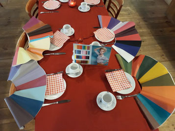 Kleurproeverij tijdens de lunch.