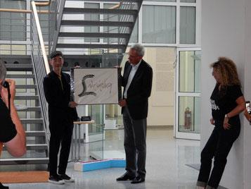Kalligraphie Künstler mit dem Leiter des Staatsarchivs Ludwigsburg