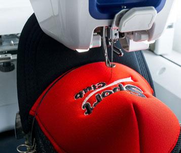 Logo sticken, Motiv sticken auf Cap - Cap besticken, Schildmütze besticken von und mit Feld GmbH aus Krefeld. www.krawatten-tuecher-schals-werbetextilien.de