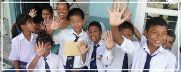 Spendenübergabe-soziales-Engagement-Juergen-Sedlmayr-Nepal54