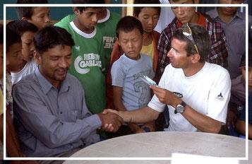 Spendenübergabe-Juergen-Sedlmayr-Nepal52