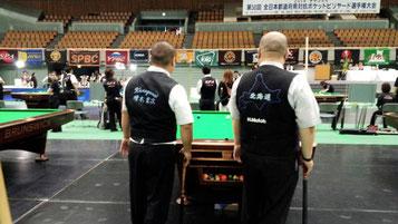 「高僧対決」と言われた写真。左:増木宏次選手、右:武藤秀範選手(北海道)