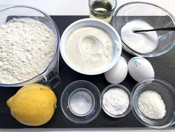 Zutaten: Ricotta, Eier, Zucker, Vanillezucker, Vanilleschote,Mehl, Backpulver, Salz, Vanilleschote Zitronenschale, Kokosnusssplitter, Sonnenblumenöl
