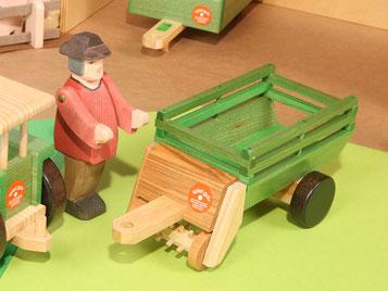Holzspielzeug-Beck Heu-Ladewagen aus Holz