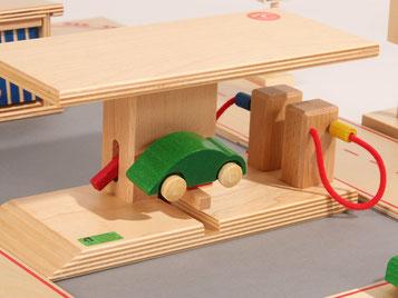 Holzspielzeug Beck Tankstelle