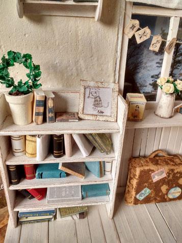 Bücher Puppenhaus