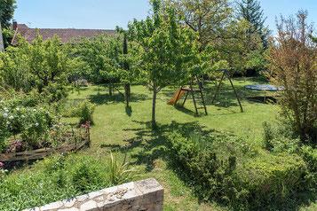Domaine de Vielcastel, votre location saisonnière pour vos vacances en famille avec un espace de jeux pour enfants
