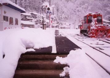 プラットホーム融雪