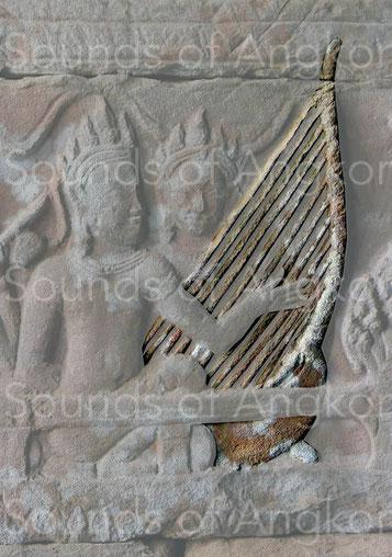 Harpe de cour du roi Jayavarman VII. Onze cordes sont représentées. Bayon.