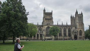 Sonntag: In Bristol besuchen wir die gotische Kathedrale.
