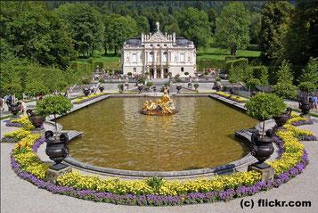 Freitag: Besichtigung von Schloss Lindenhof, das Lieblingsschloss von König Ludwig II.