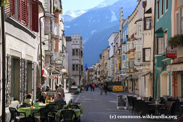 Sonntag: Auf der Rückreise bleiben wir in Sterzing stehen, eine Handels- und Einkaufsstadt kurz vor dem Brennerpass.