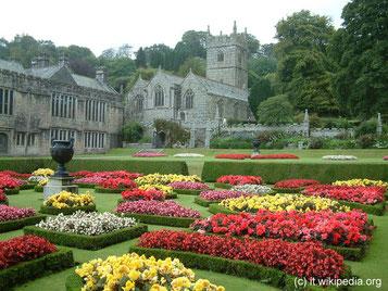 Donnerstag: Wir besuchen das Lanhydrock House aus der viktorianischen Zeit mit seinem schönen englischen Garten und angrenzendem Park.