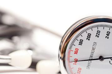 Bluthochdruck mit Yoga reduzieren - Therapie Hamburg