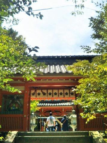 前田家ゆかりの剣梅鉢の紋