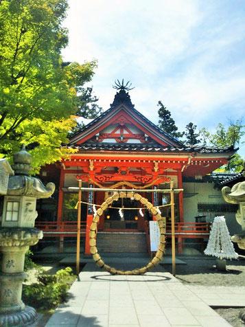 金澤神社拝殿前の茅の輪