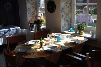 Der Tisch ist gedeckt.