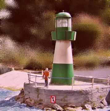 Hier hat das Leuchtfeuer der Hafeneinfahrt seinen Platz gefunden