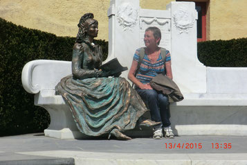 Renate mit Sissi in Meran