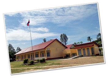現地から送られてきた、新校舎の完成写真