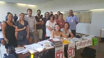 Notre équipe de militants à l'accueil stagiaire du 25 août à Nanterre.