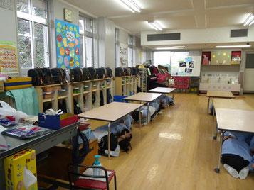 市内やなせ幼稚園の訓練風景