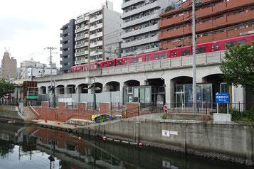 大岡川・桜桟橋と京急電車