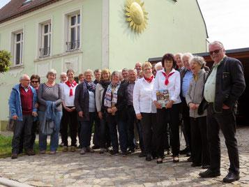 Mit der Exkursion nach Glinde an der Elbe hat der Heimatkreis Oberderdingen am 27. April 2019 sein Interesse für das dortige Lichtmessbrauchtum bekundet und neue Kontakte geknüpft