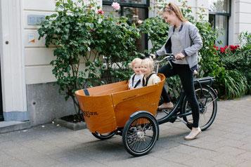 Babboe Cargo- und Lasten e-Bikes in der e-motion e-Bike Welt in Berlin-Mitte
